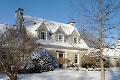 Gutter Maintenance in the Winter Season